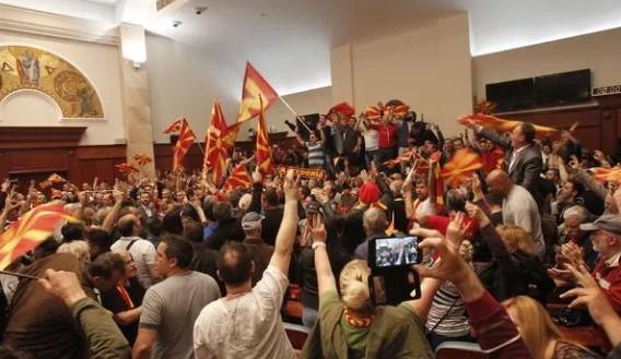 Шведскиот суд: Упадот  во Собранието на 27 април не е тероризам, туку бунт