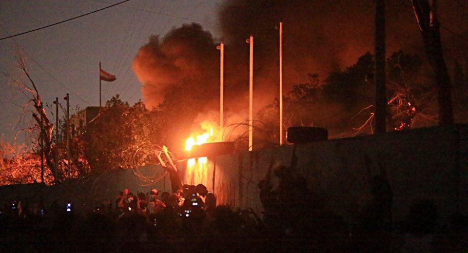 Демонстранти го запалија иранскиот конзулат