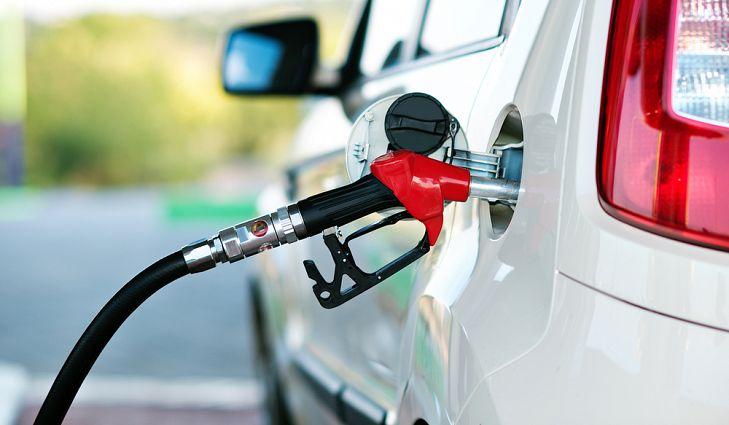 Поевтинуваат дизелот и екстра лесното, цената на бензините останува непроменета