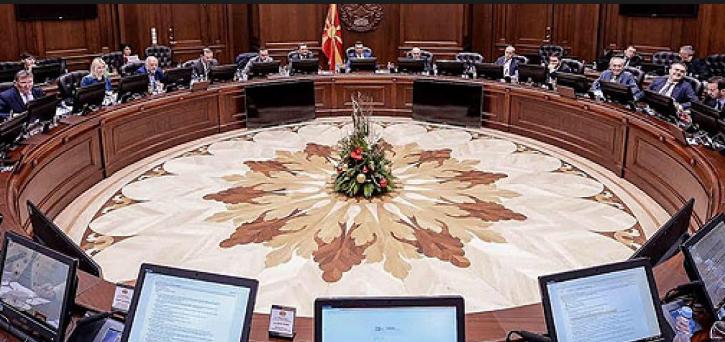 Интервјуа наместо конкурси-Владата именуваше директори и членови на управни одбори на ЈП