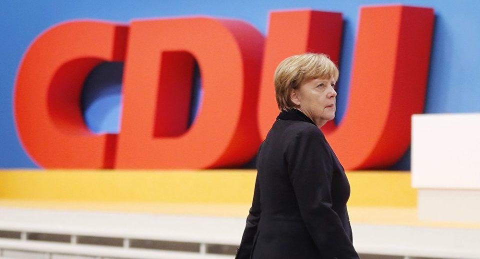 Меркел демантира дека ќе поднесе оставка пред истекот на мандатот