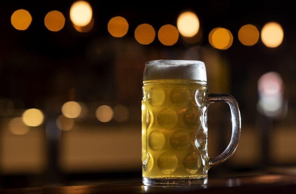 По грешка кригла пиво му наплатиле близу 62 илјади евра