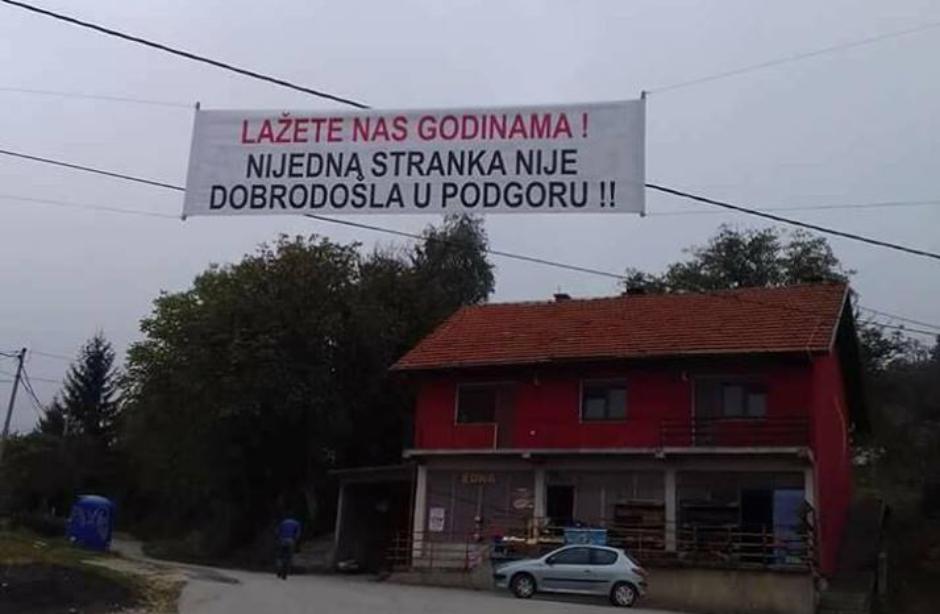 Село во БиХ им забрани на политичарите да им доаѓаат