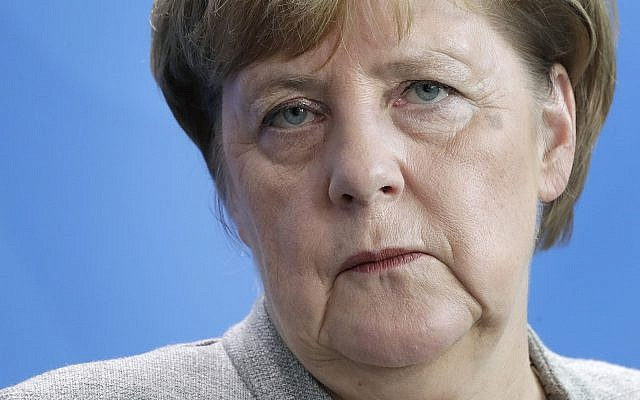 Шефот на кабинетот на Меркел тврди дека таа е добро и планира да го отслужи целиот мандат