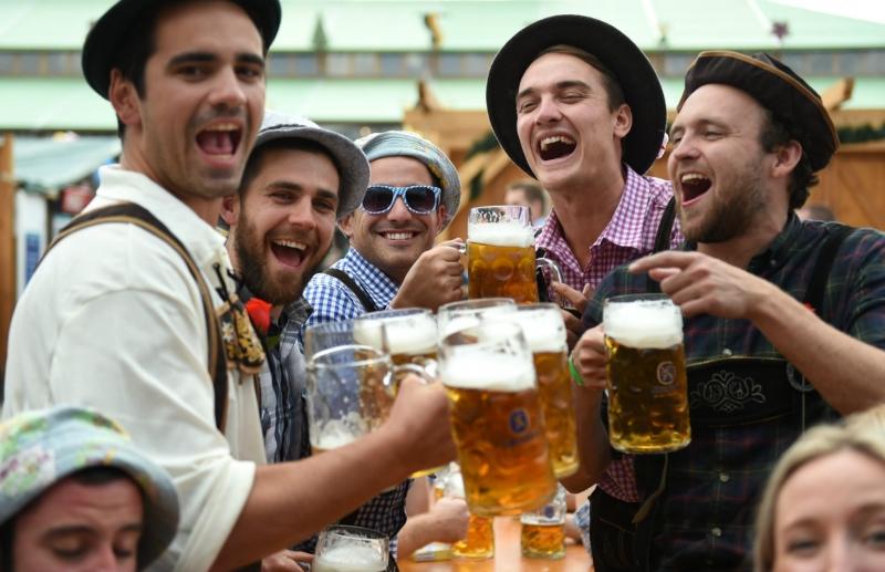 На Октоберфест испиени 7,5 милиони литри пиво