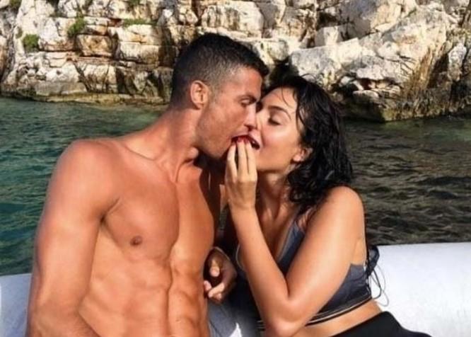 Роналдо ја сака Георгина, но засега нема да се жени