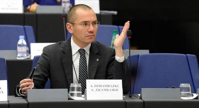 Џамбаски до Заев: Не глумете недоветни, сакаме од вас да не му издавате нови документи и ново државјанство на Гоце Делчев