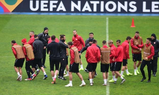 Македонија на два меча до Европско