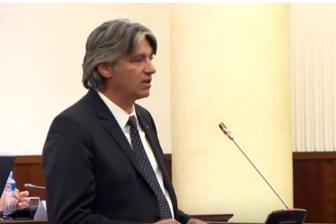 Албанскиот народ да биде рамо до рамо со македонскиот (ВИДЕО)