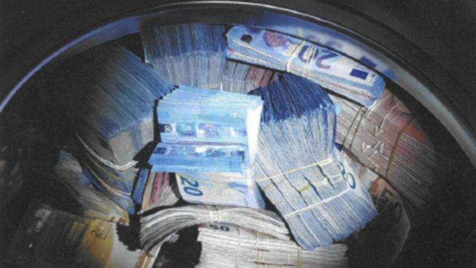 Во машина за перење сокрил 350 000 евра