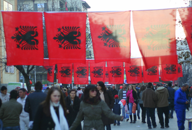 Албанците од Македонија и Црна Гора послесно ќе доаѓаат до работа во Албанија