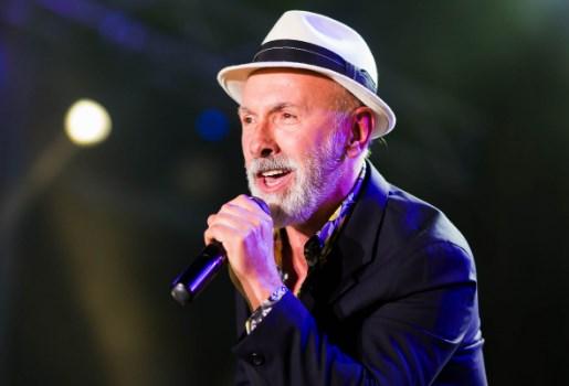 Шилегов бил упорен: Дино Мерлин ќе пее за Нова Година во Скопје