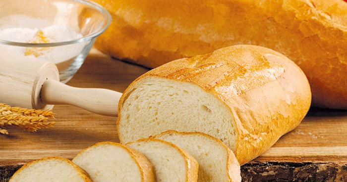 Поскапува лебот