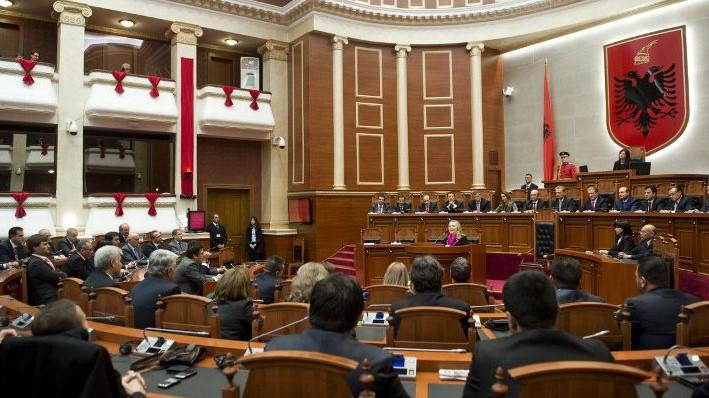 ОБСЕ: Откажувањето на албанската опозиција од пратеничките мандати e чин без преседан
