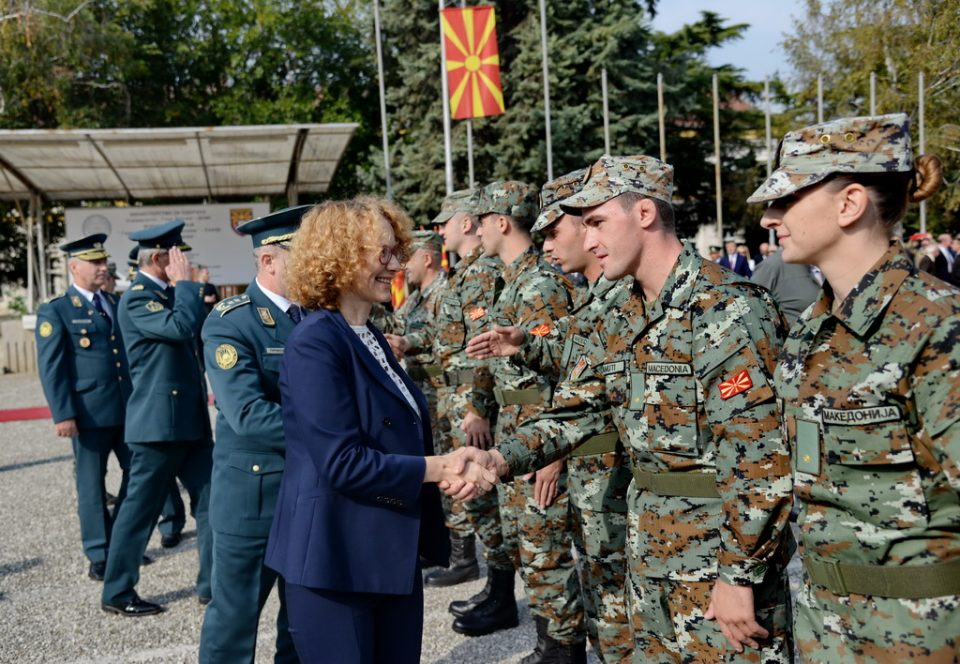 Шекеринска очекува Пендаровски да ги поништи указите на Иванов за АРМ