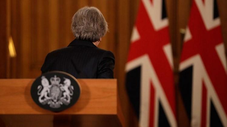 Меј најави оставка, си заминува поради Брегзит