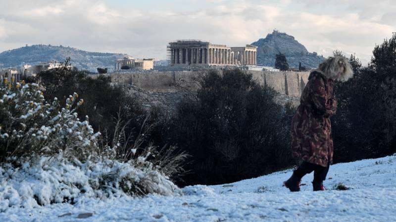 """""""Телемах"""" ја покри Атина со снег"""