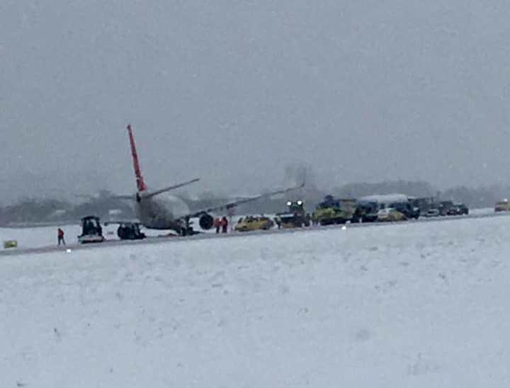 Авион излетал од пистата во Лвов додека се подготвувал да полета