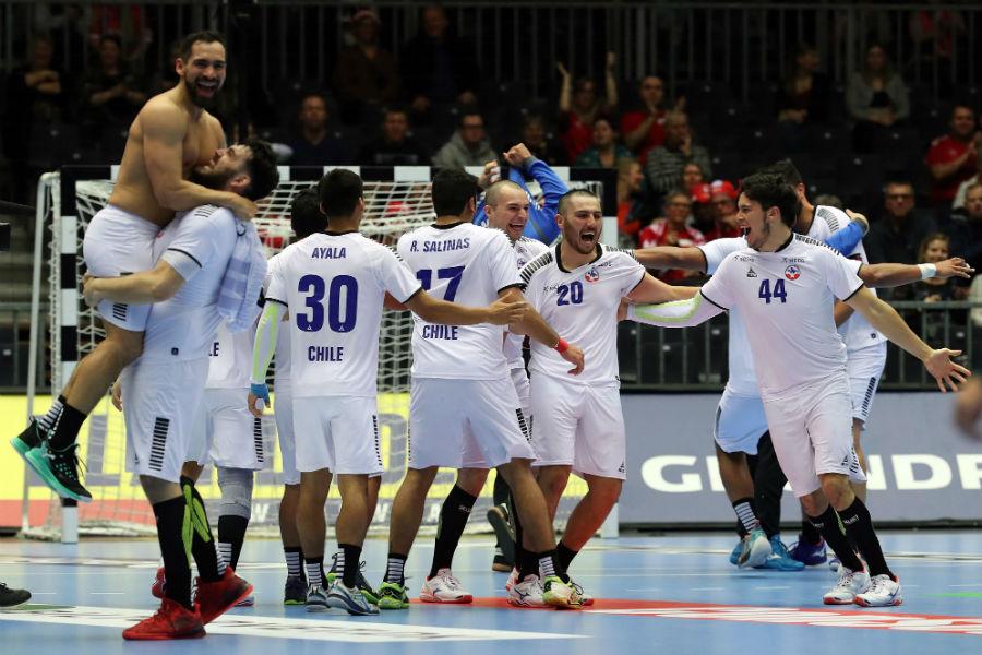 Чиле изненади против Австрија, Франција рутинирано ја совлада Србија