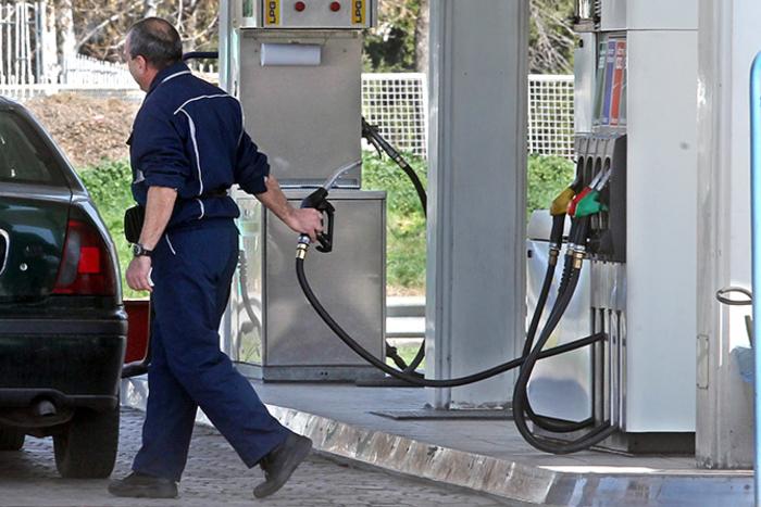 Бензините поскапи за половина денар, дизелот иста цена