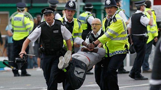 Британската полиција приведе 55 лица поради злоставување девојчиња