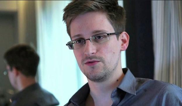 Сноуден објави мемоари