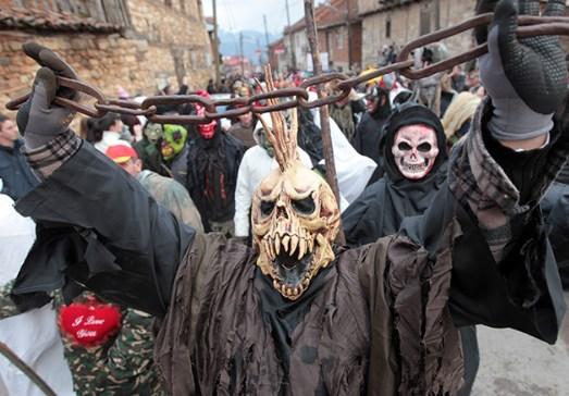 Вевчани под маски