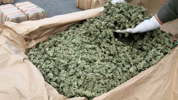 Пријавиле обувки, а превезувале 400 килограми марихуана (ФОТО)