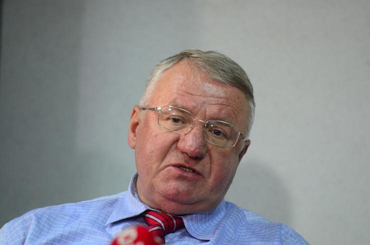 Воислав Шешељ итно опериран