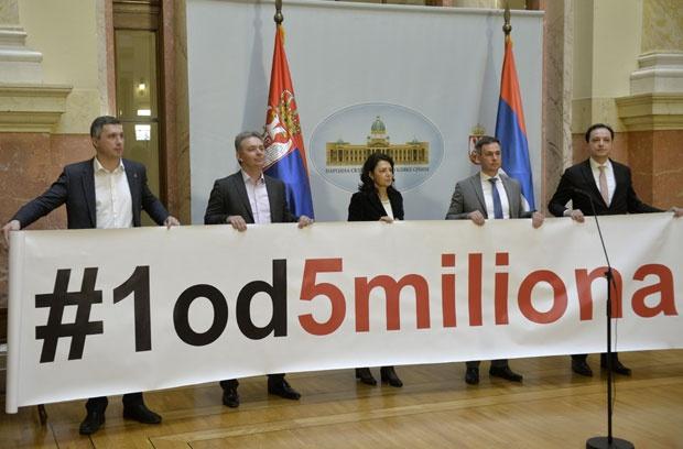 Пратениците од опозицијата почнаа со бојкот на седниците во Собранието на Србија