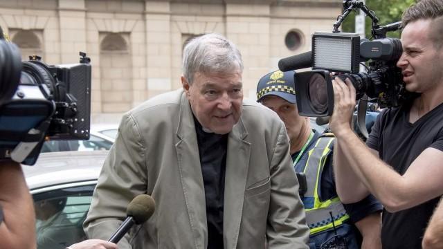 Министерот за финансии на Ватикан крив за сексуално злоставување на малолетници