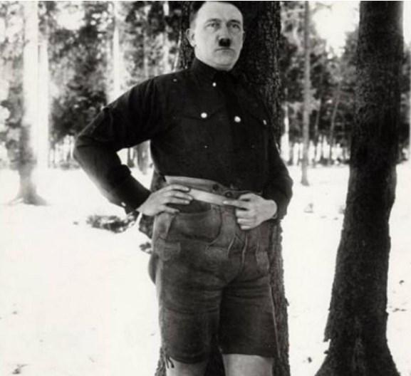 Хитлер се срамел од сликата на која е во бермуди (ВИДЕО)