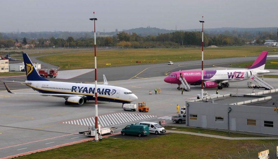 """Авион на """"Рајанер"""" принудно слетал во Берлин поради закана со бомба"""