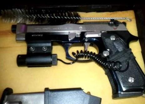 При претрес во куќа во Велес пронајдени пиштол и муниција