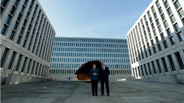 Меркел ја отвори новата зграда на БНД