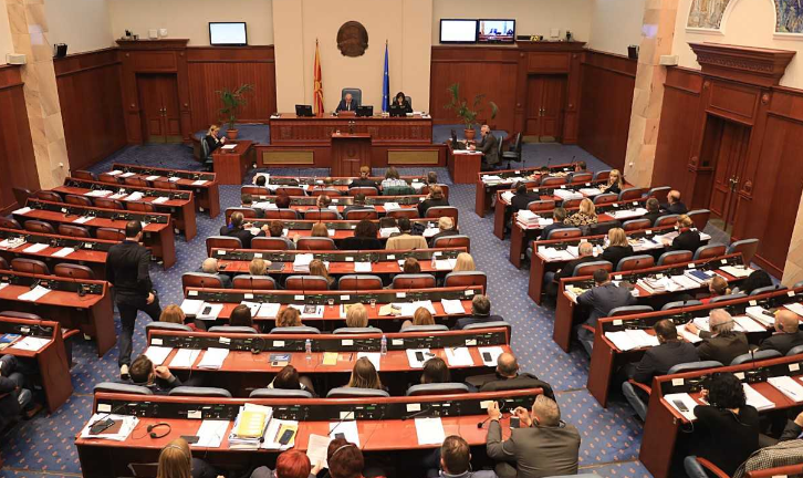 Собранието ги прифати предлозите за министри и заменици министри во Владата