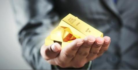 Златото на светските берзи урива рекорди