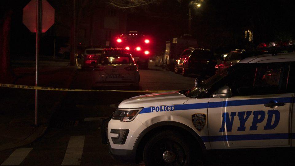 Кумот на Њуjорк од фамилијата Гамбино убиен со шест куршуми па прегазен