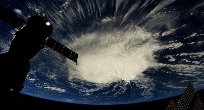 НАСА над Земјата снимила огромна експлозија на метеор, 10 пати посилна од Хирошима