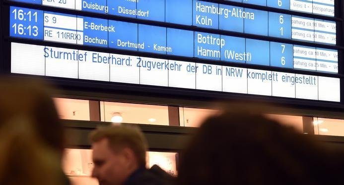 Германија: Невреме го прекина железничкиот сообраќај