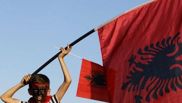 Живеј во Швајцарија или Косово, попиши се во Македонија
