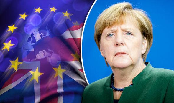 Ангела Меркел во очите на карикатуристите: Од Хитлер до Мајка Тереза