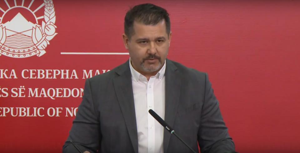 Миле Бошњаковски си оди: Портпаролот на владата заминува кај Пендаровски