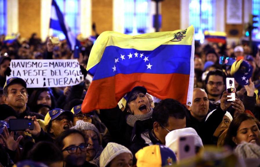 Норвешка посредник: Претставници на Мадуро и Гваидо сепак ќе седнат на заедничка маса