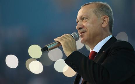 Eрдоган се закани: Милиони бегалци наскоро ќе тргнат кон ЕУ