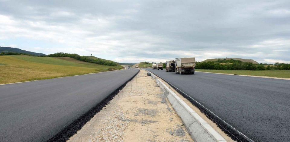 Автопатот Миладиновци-Штип ќе се пушти за десетина дена, наскоро и патарини