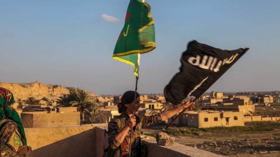 Курдите престануваат да се борат со Исламска држава за да се бранат од Турција