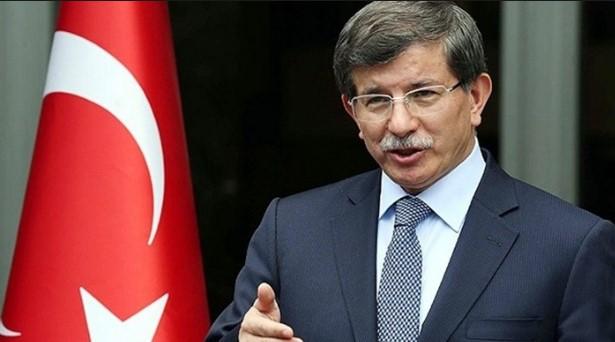 Давутоглу: На Турција и е потребен граѓански демократски Устав