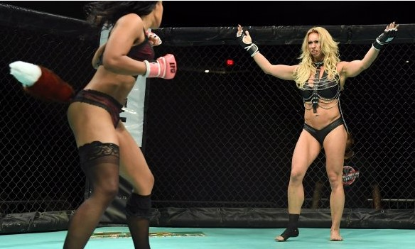 Полуголи девојки во ринг (ФОТО)