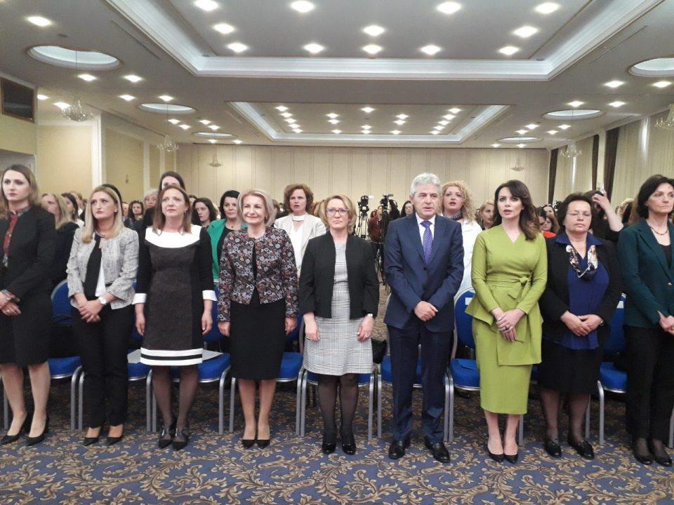 Ахмети најавува поголем број на жени во раководните органи на ДУИ